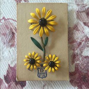 Vintage DuBarry Daisy Enamel Pin Earring Set